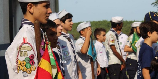 Grupo Escoteiro do Mar Ilha do Mel contribui com a formação de jovens