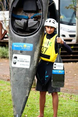 Jovem Escoteiro  se destaca em competição de Canoagem