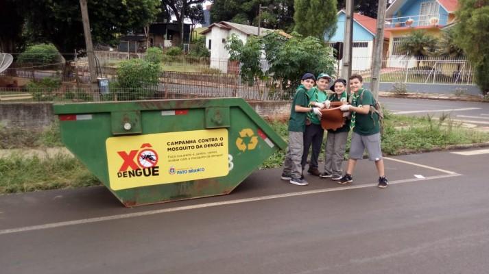Grupo Escoteiro Coroados se engaja no combate à Dengue em Pato Branco